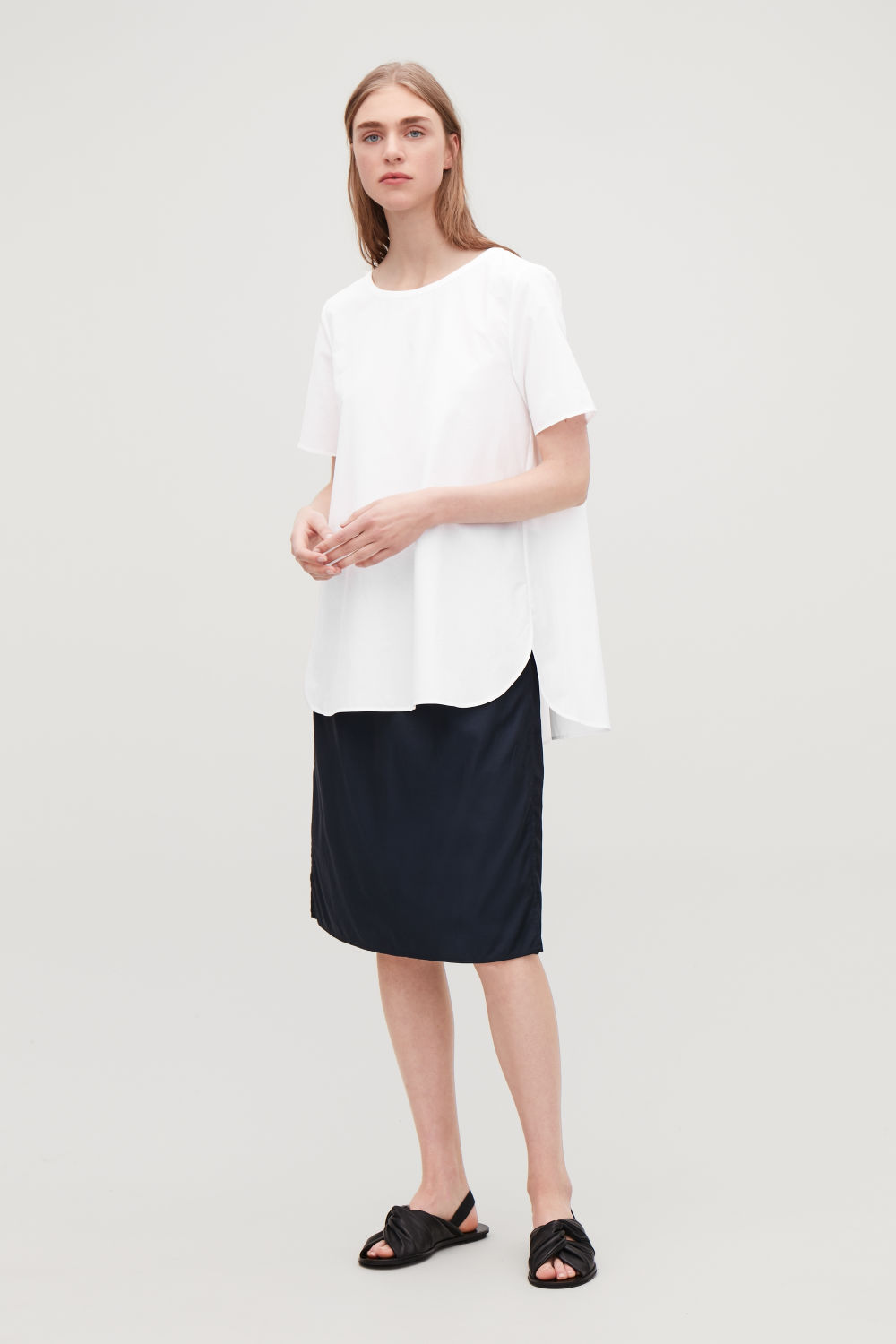 PLEATED-BACK POPLIN BLOUSE