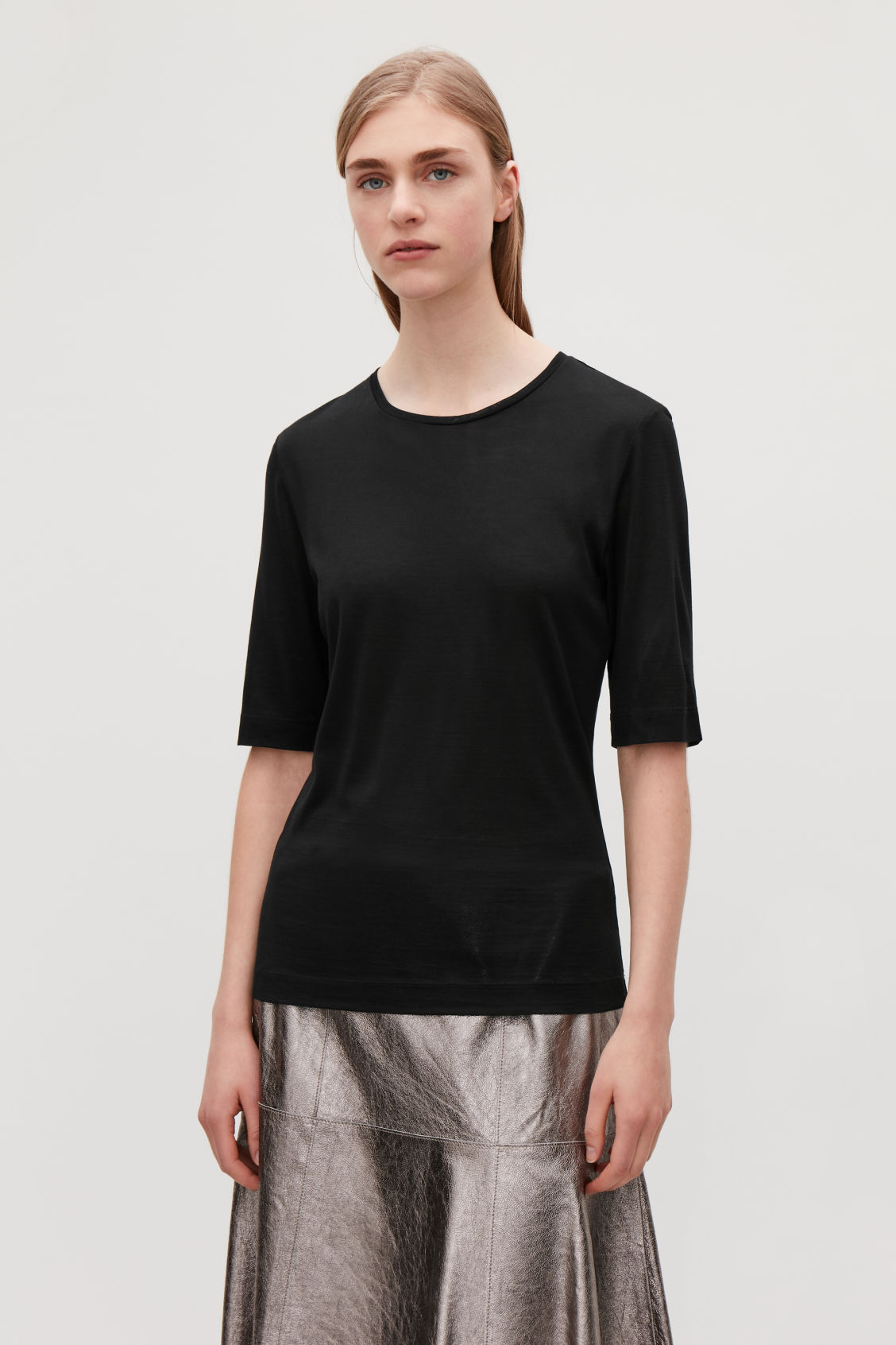 Model side image of Cos silk short-sleeved t-shirt in black