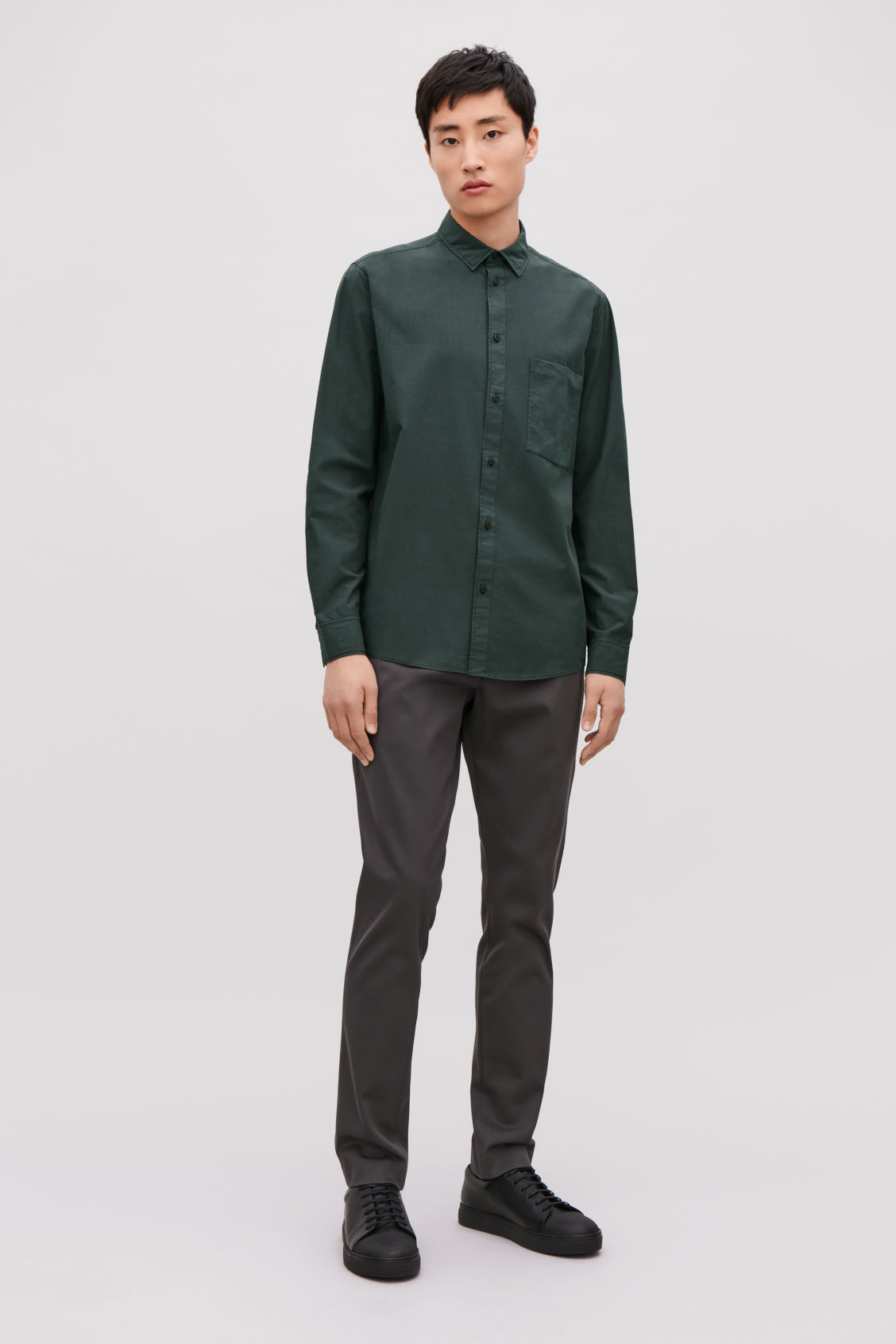Model front image of Cos washed-cotton shirt in green