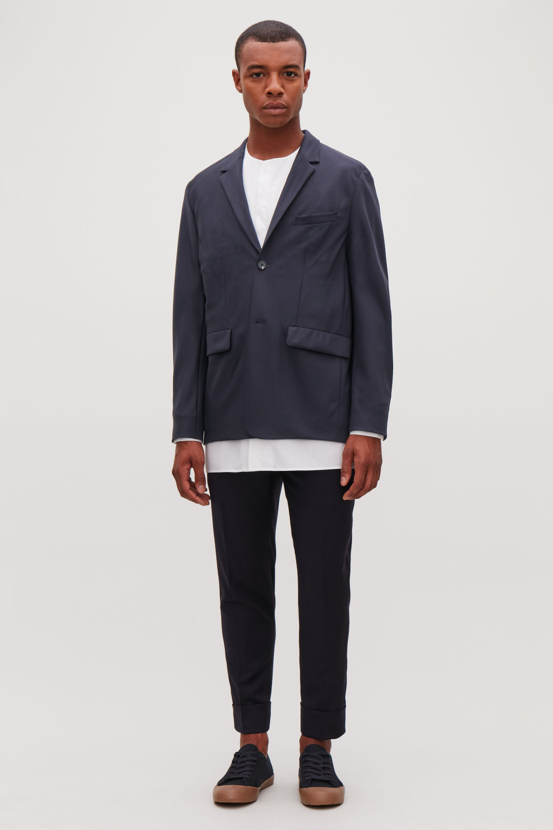Model front image of Cos boxy-fit wool blazer in blue
