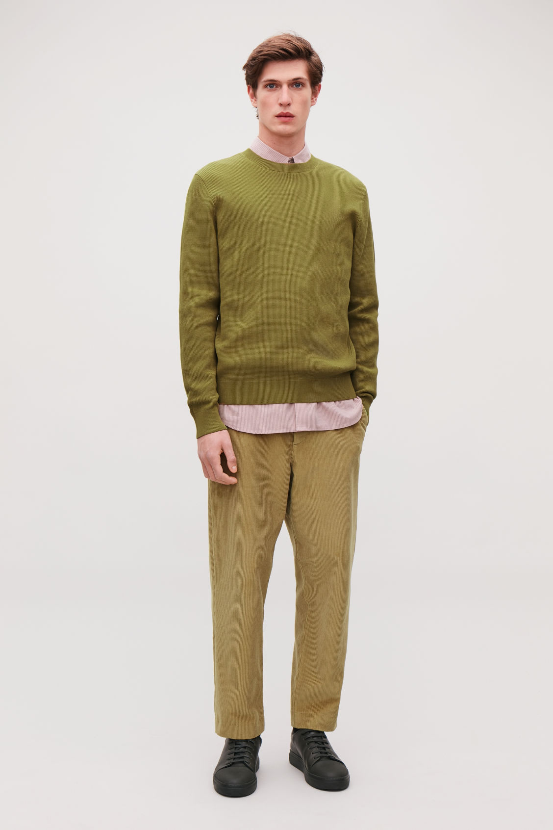 Model front image of Cos moss-stitch knit jumper in yellow