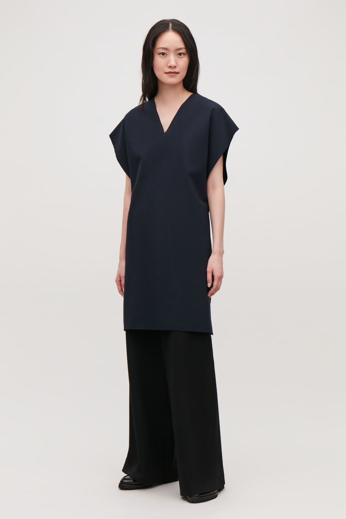 Model front image of Cos elastic-detail jersey dress in blue
