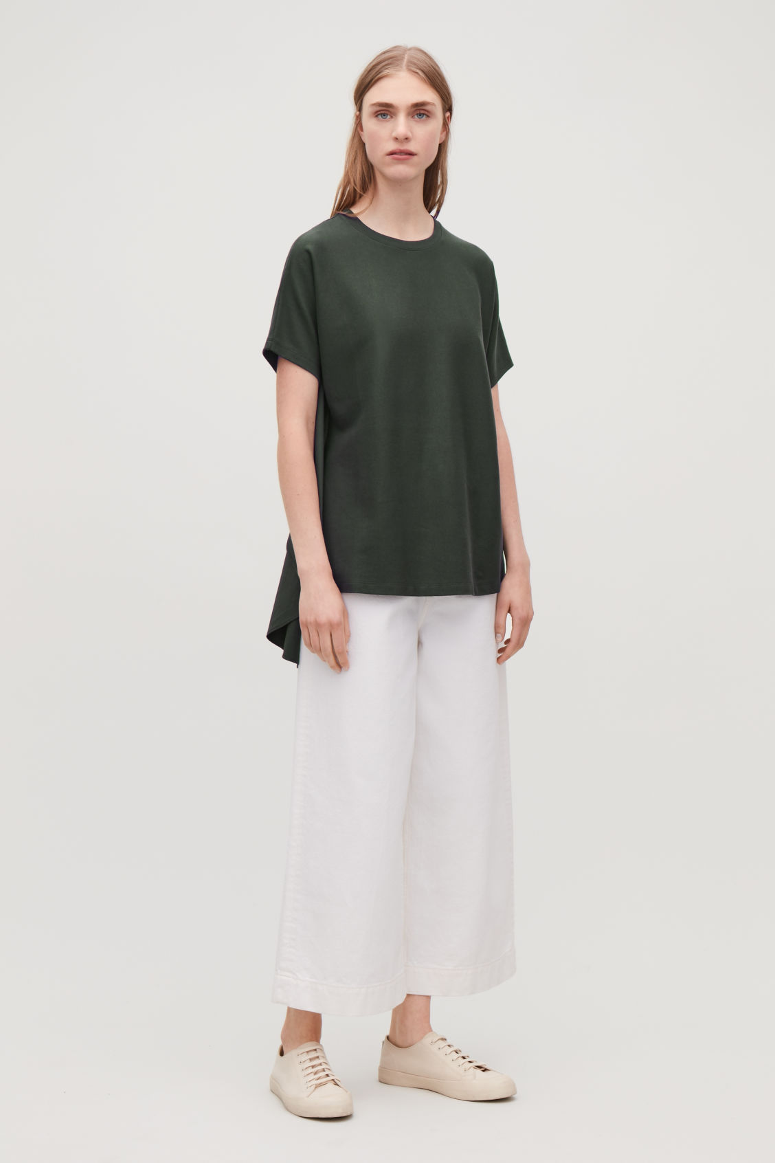 Model front image of Cos circle-panelled t-shirt in green