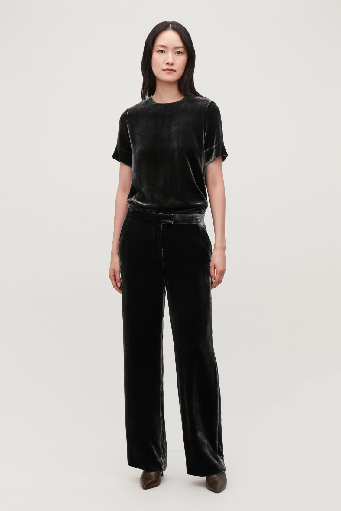 Model front image of Cos velvet wide-leg trousers in grey
