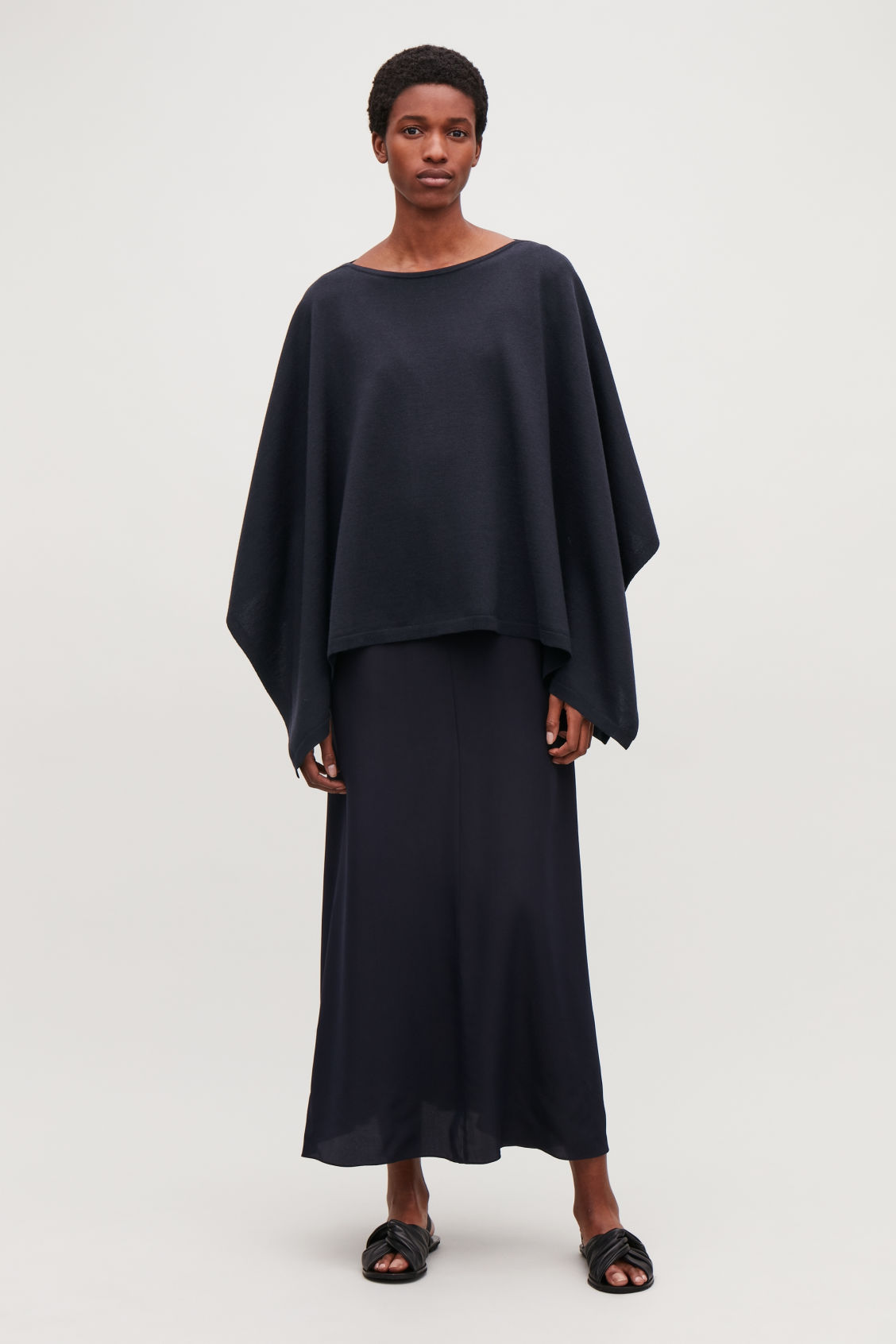 Model front image of Cos wool cape scarf in blue