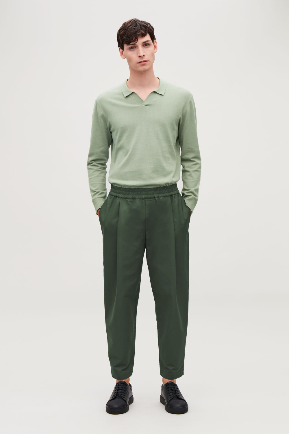 WIDE-LEG CHINOS WITH PLEATS