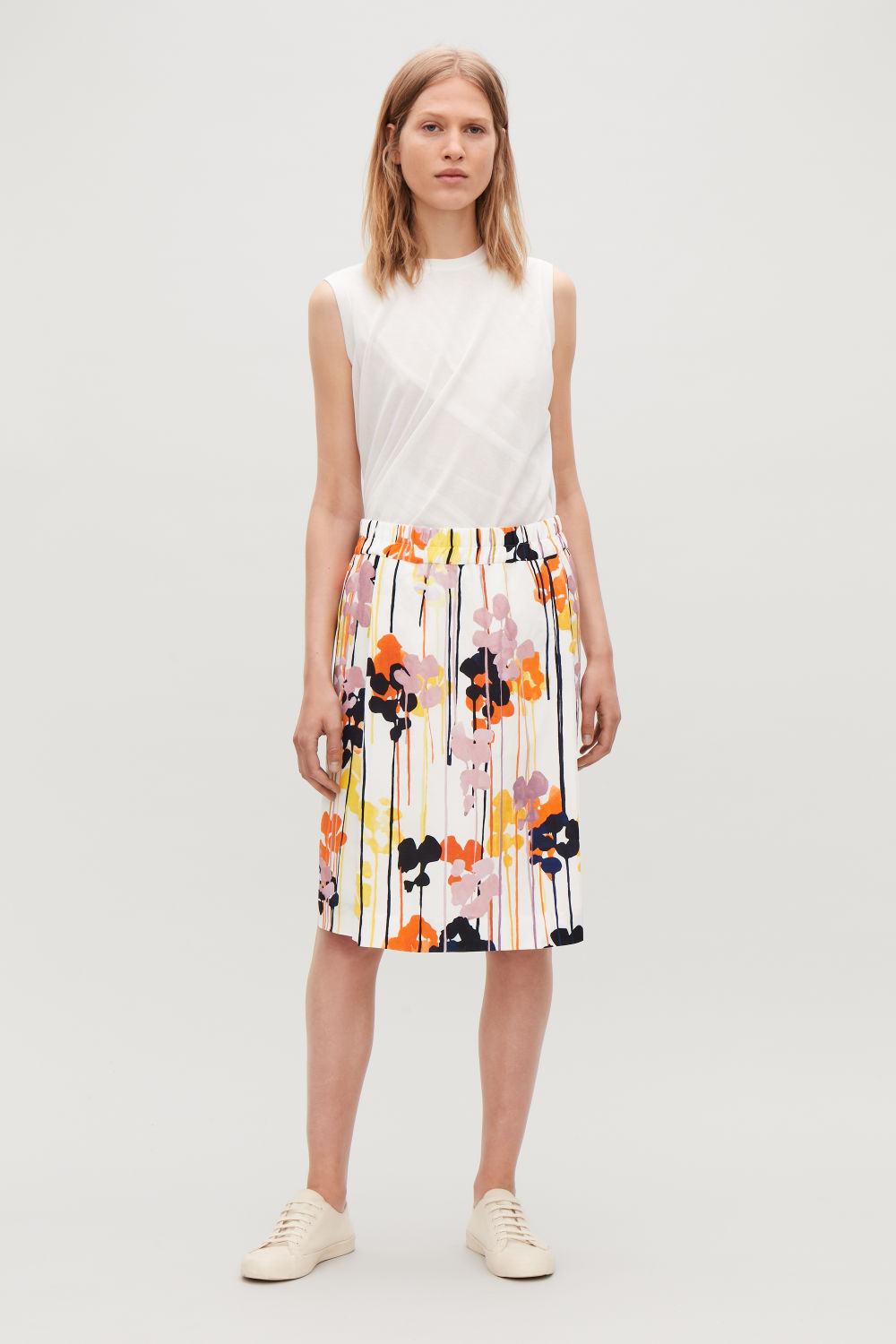 ELASTICATED FLORAL-PRINTED SKIRT
