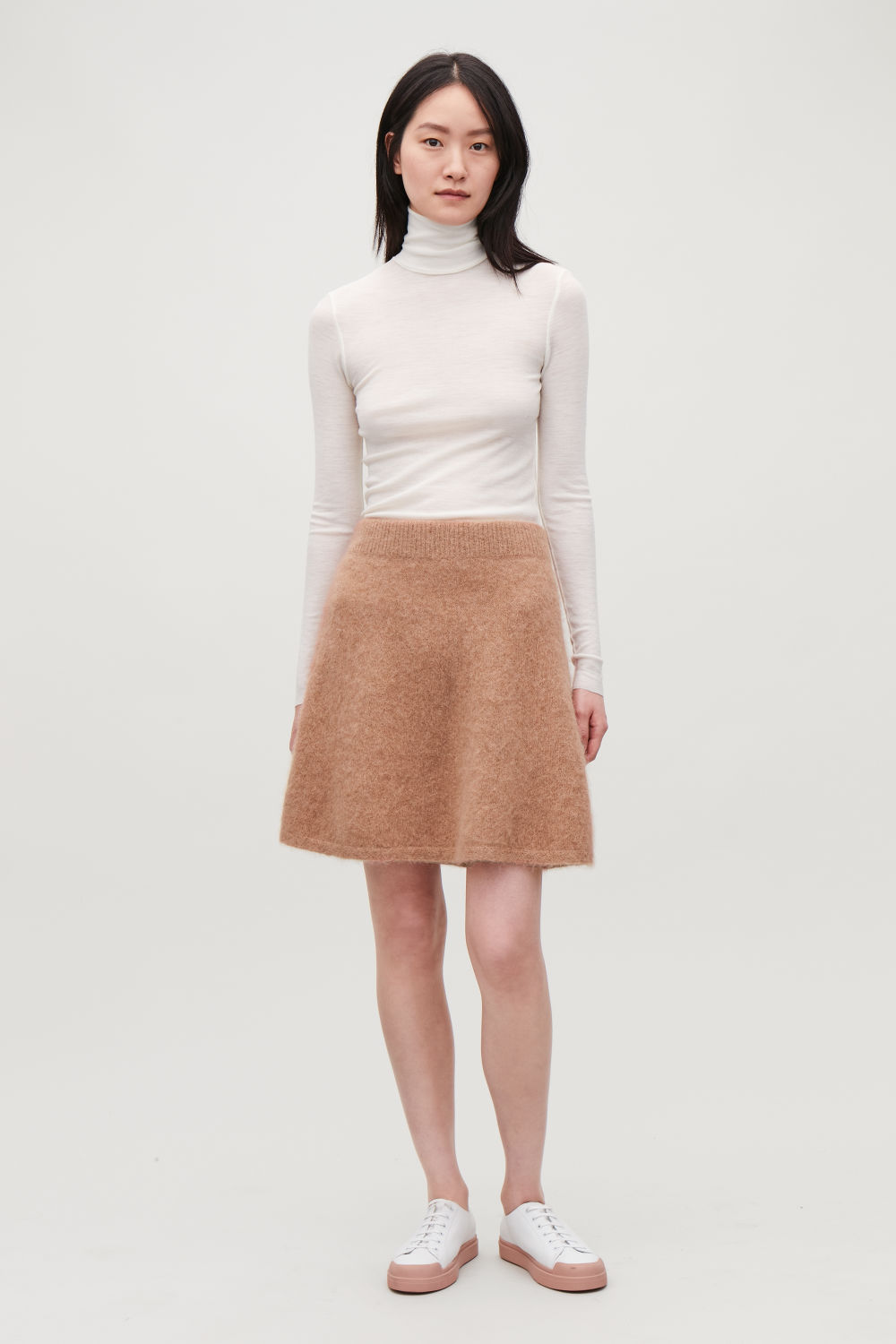 TEXTURED KNITTED SKIRT