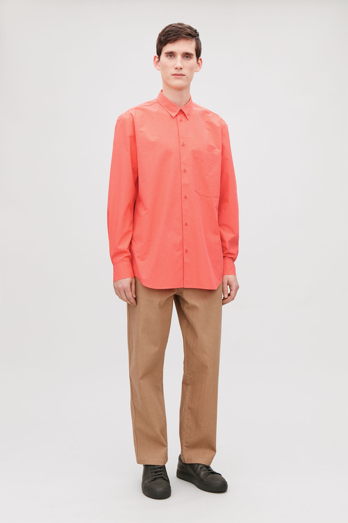 Model front image of Cos cotton shirt with pocket in orange