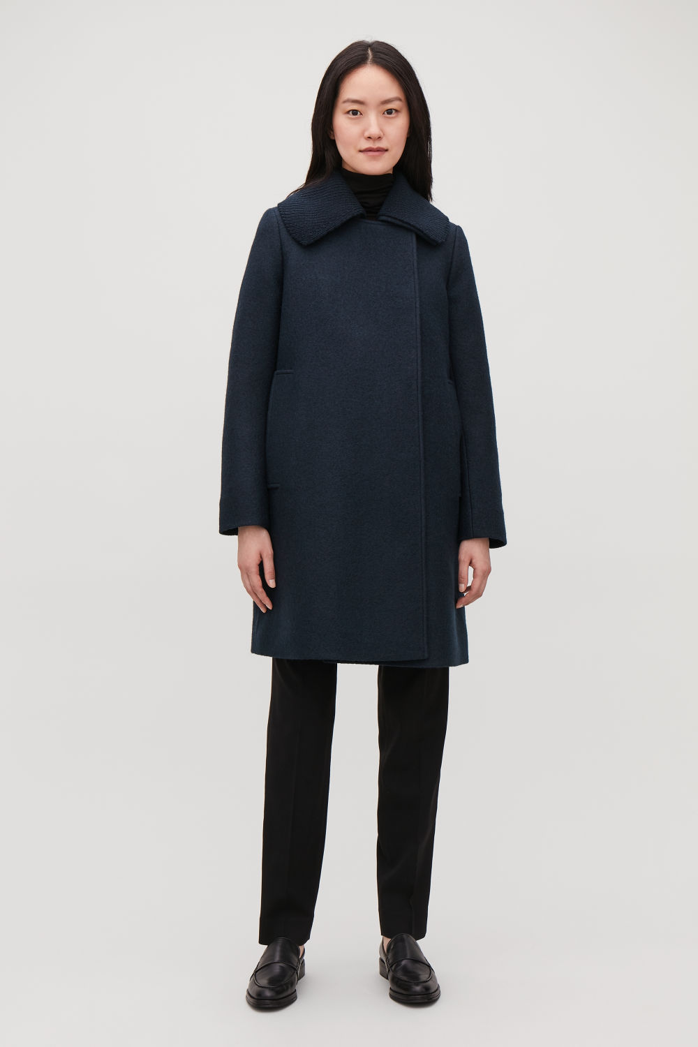 KNITTED-COLLAR WOOL COAT