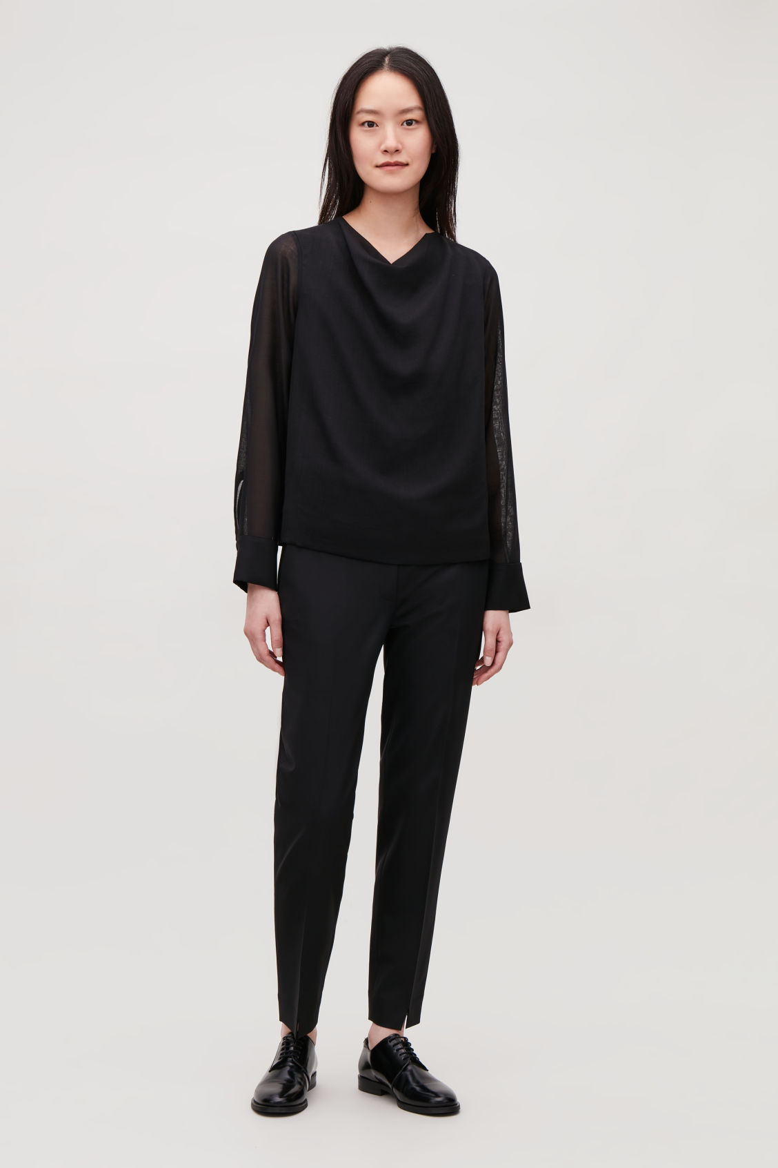 Model front image of Cos lightweight wool top in black