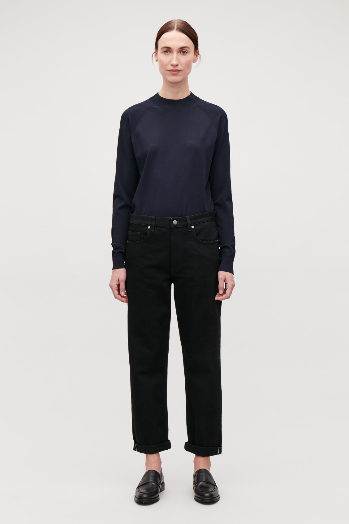 Model front image of Cos 28 inch selvedge relaxed leg jeans in black