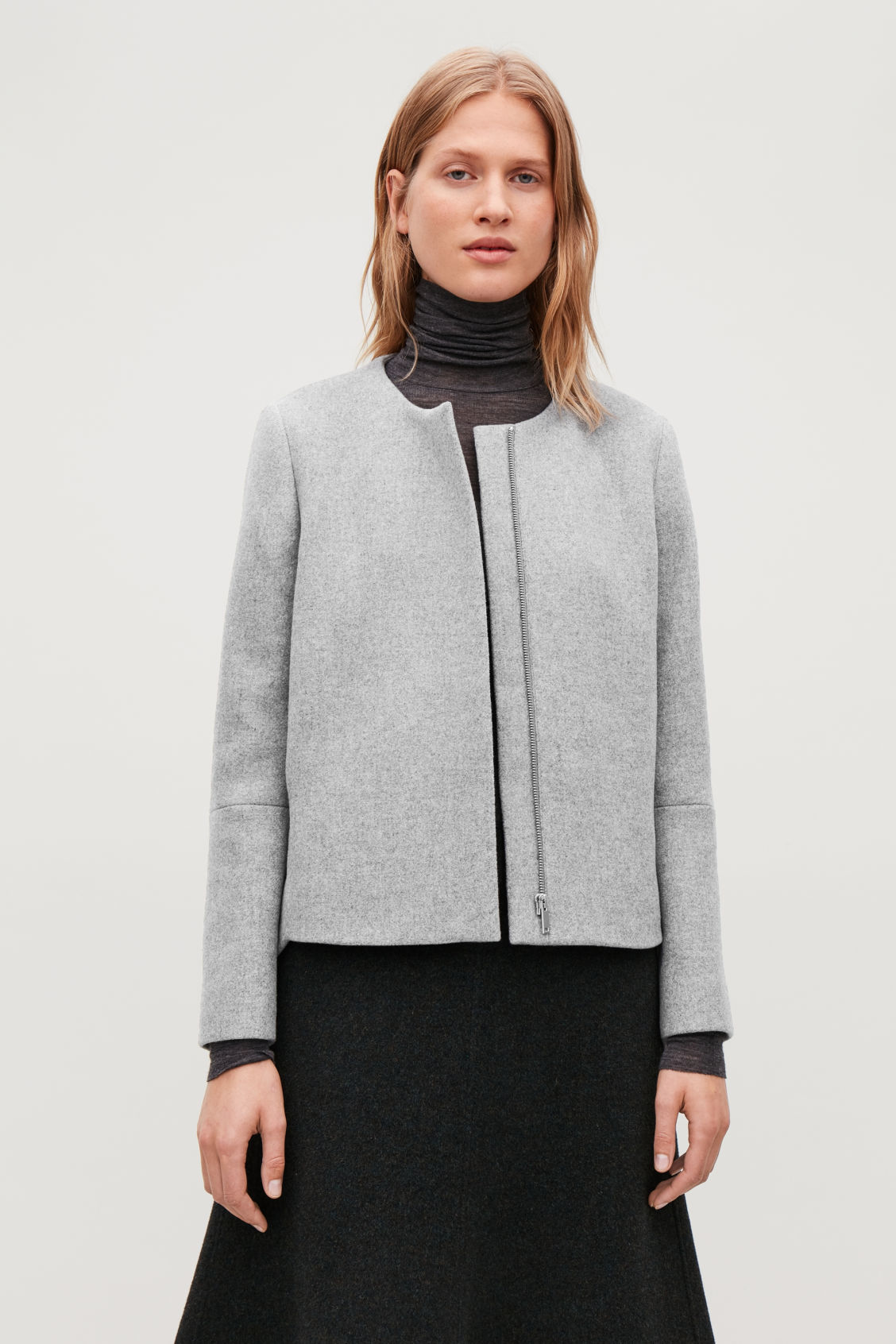 Model side image of Cos  in grey