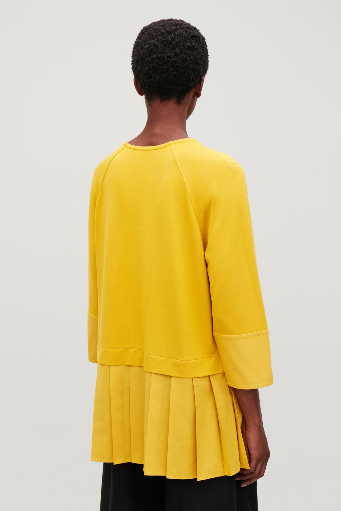 Model side image of Cos  in yellow