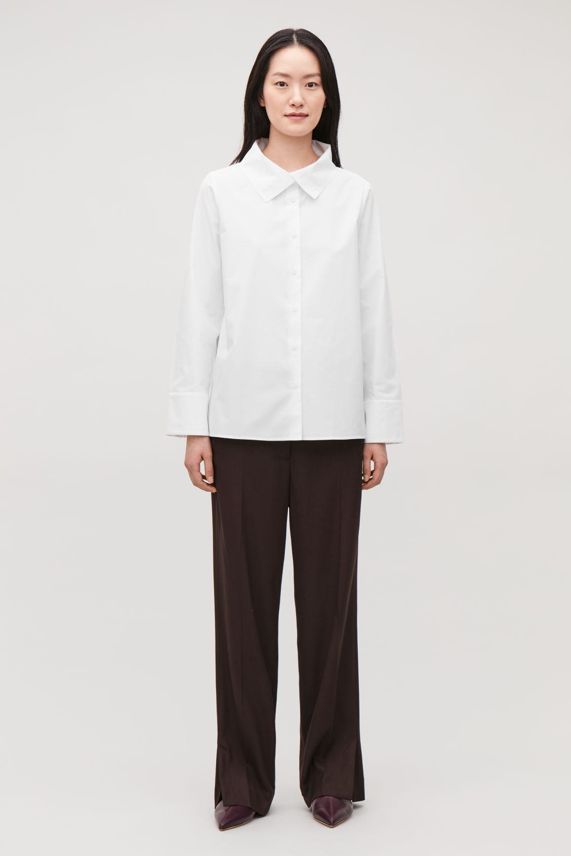 Model front image of Cos open-collar poplin shirt in white