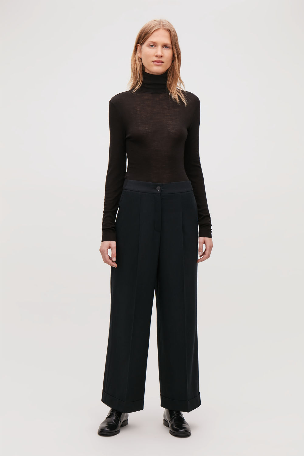 TURN-UP WOOL TROUSERS