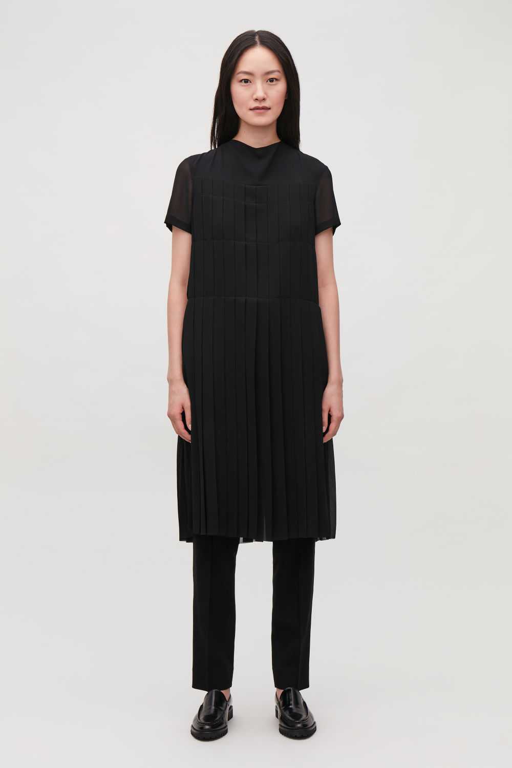 D Neck Pleated Dress
