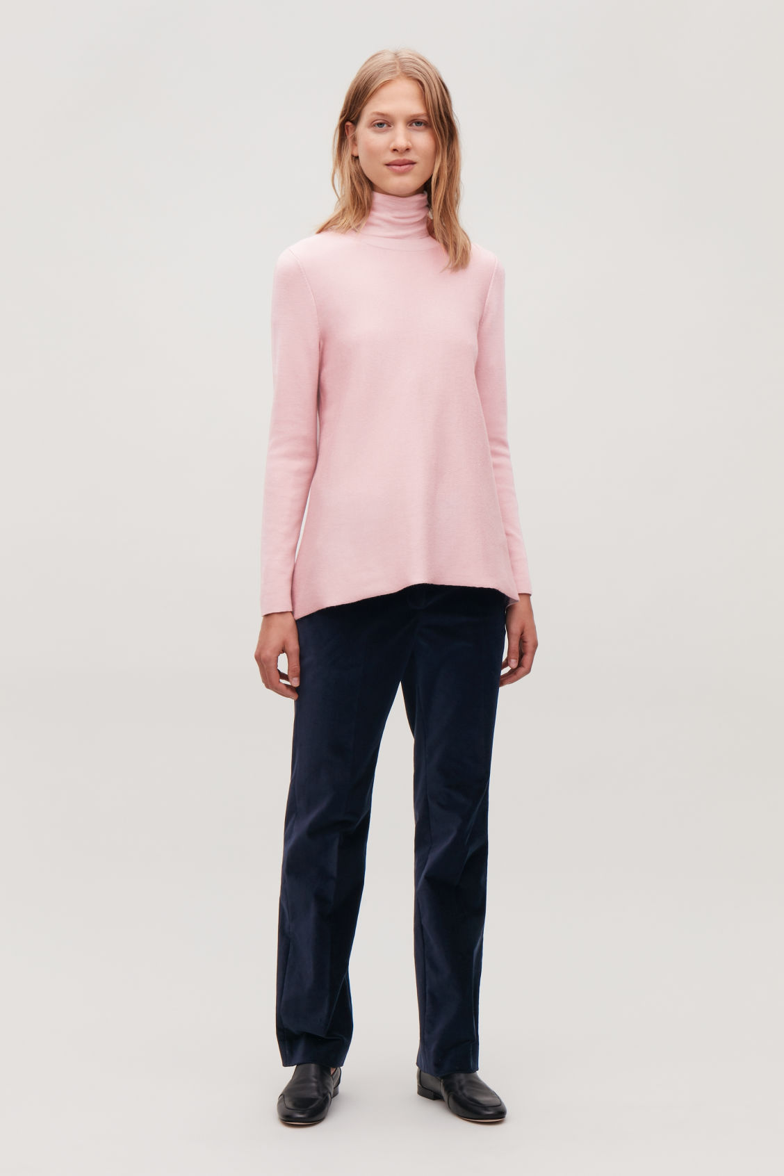 Model front image of Cos double-face merino wool jumper in pink