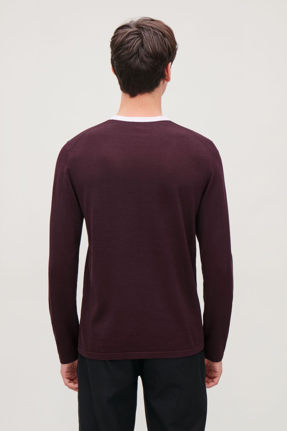 Model side image of Cos knitted colour-block top in red
