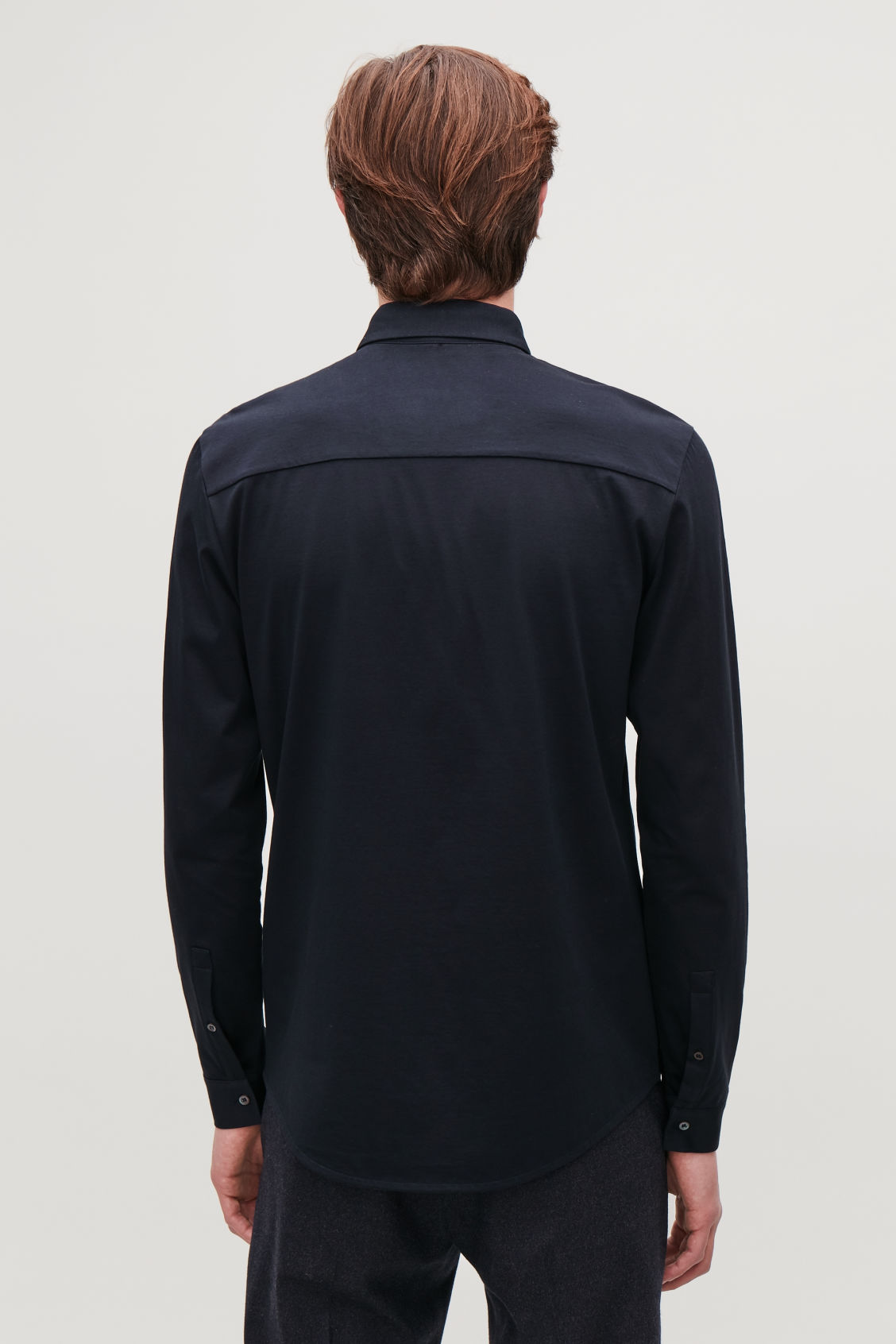 Model side image of Cos long-sleeved jersey shirt in blue
