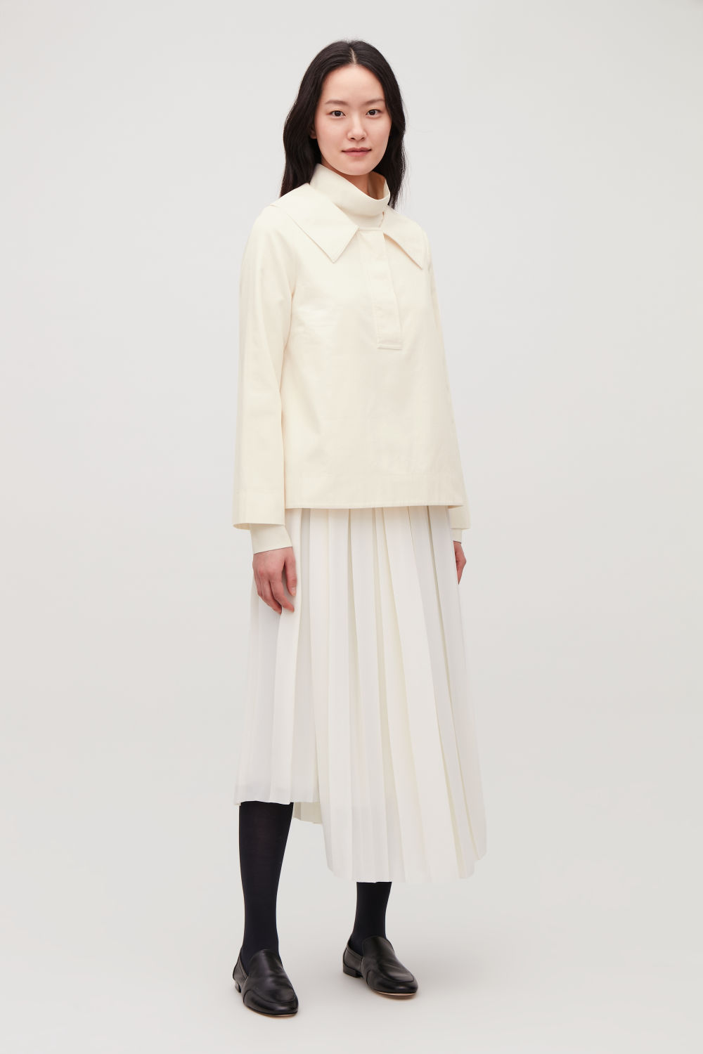 OVERSIZED-COLLAR COTTON TOP