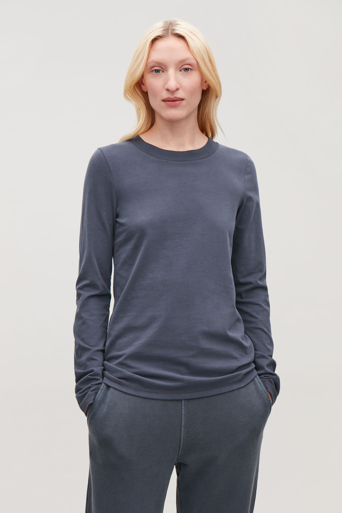 Model side image of Cos jersey long-sleeved top  in blue