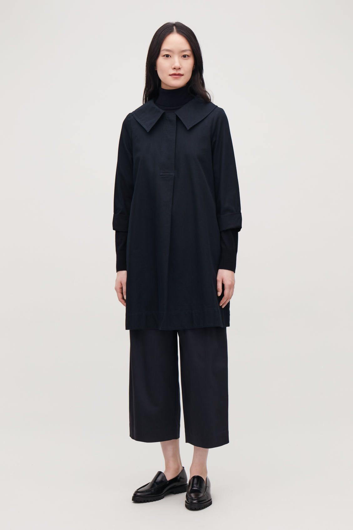 Model front image of Cos oversized-collar cotton dress in blue