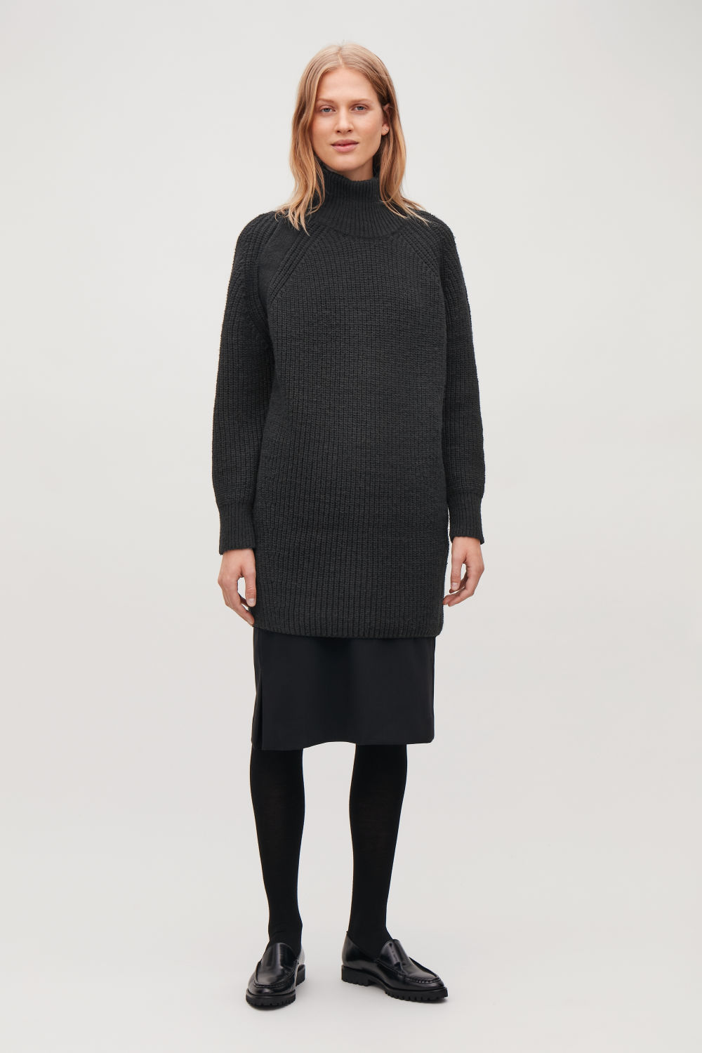 OVERSIZED WOOL-KNIT DRESS