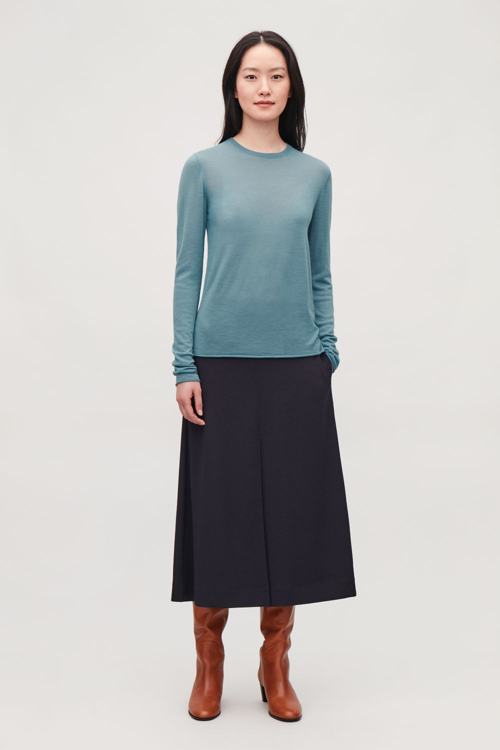 MERINO ROUND-NECK JUMPER