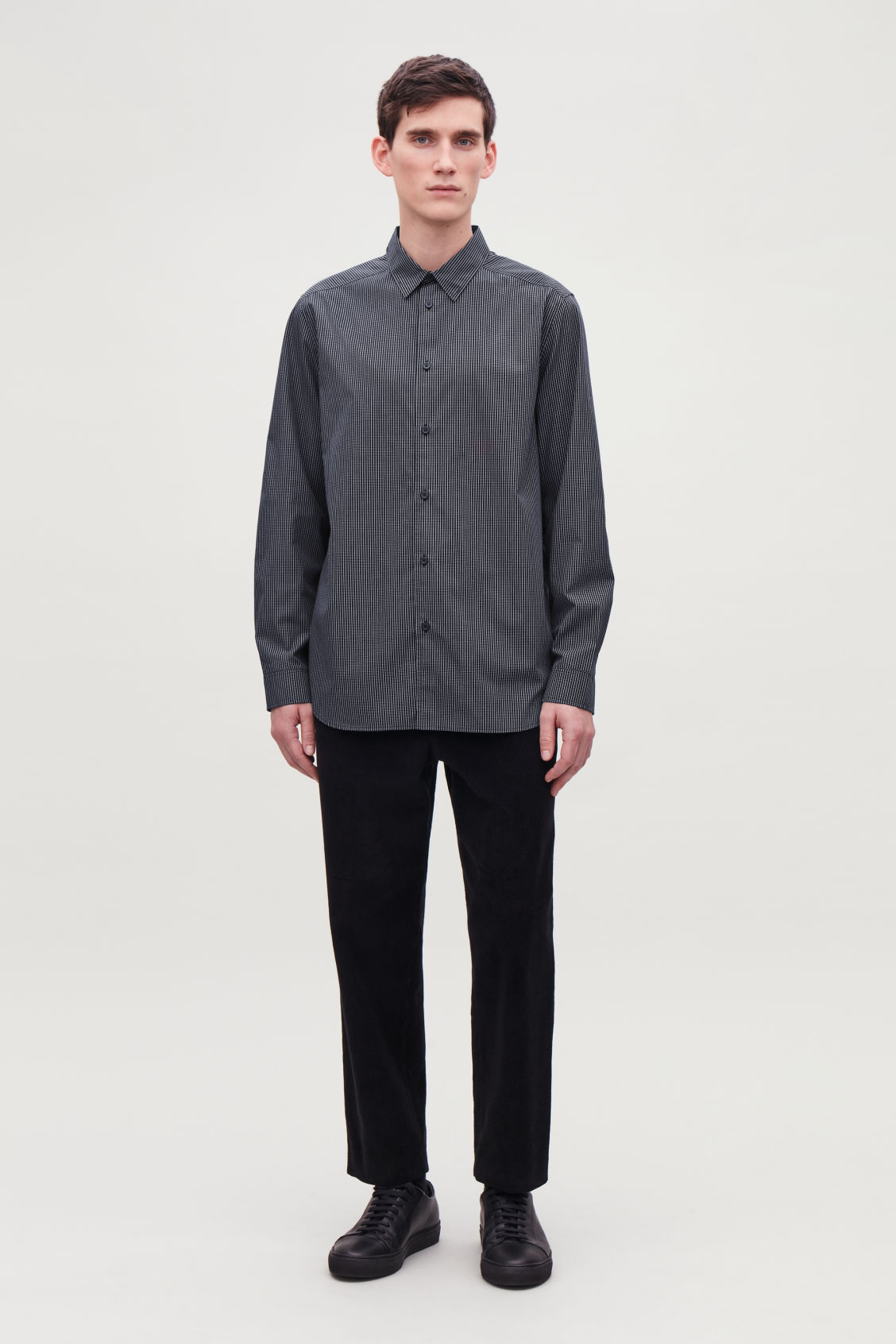 Model front image of Cos relaxed checked cotton shirt in blue
