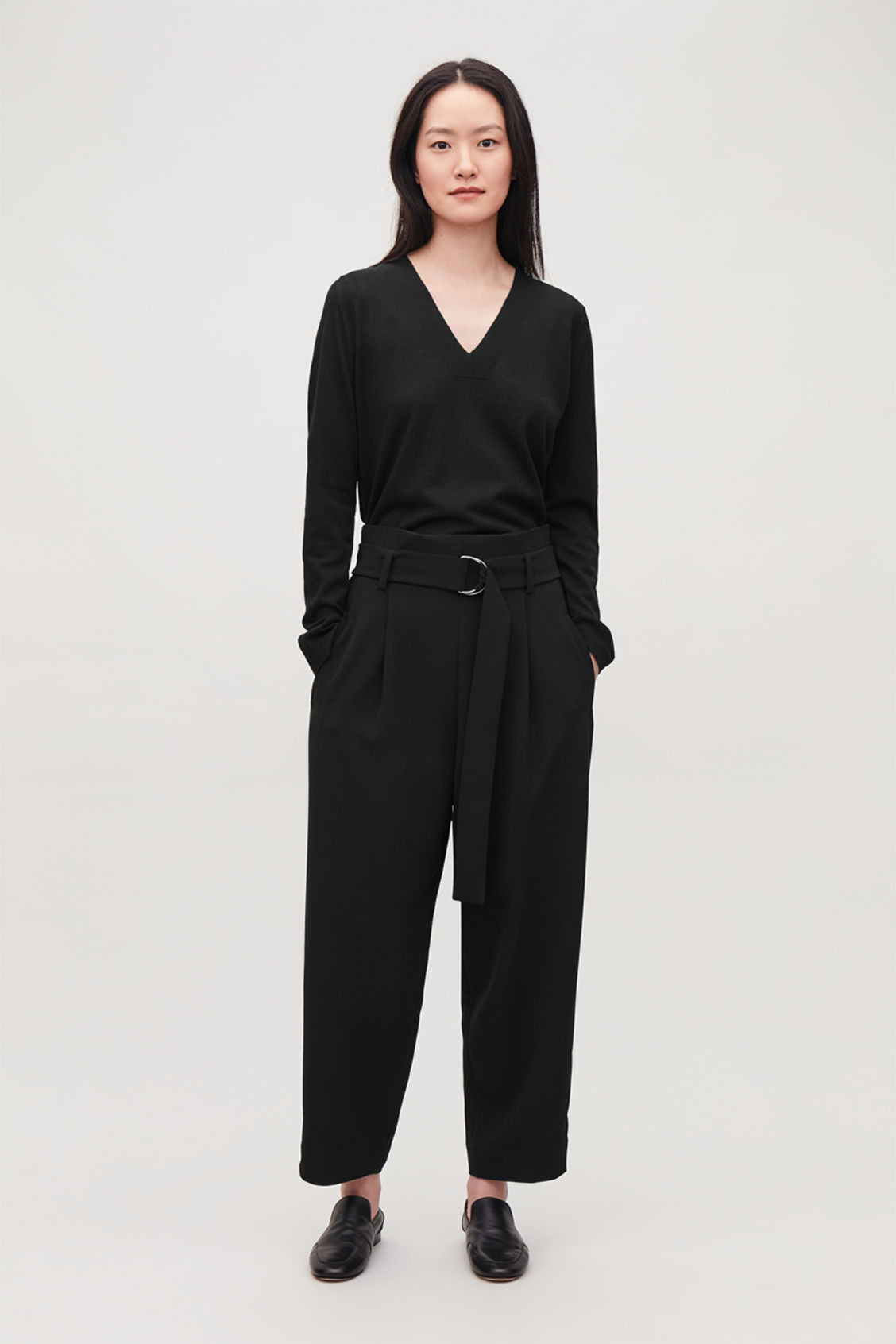 Model front image of Cos d-ring belted paperbag trousers in black