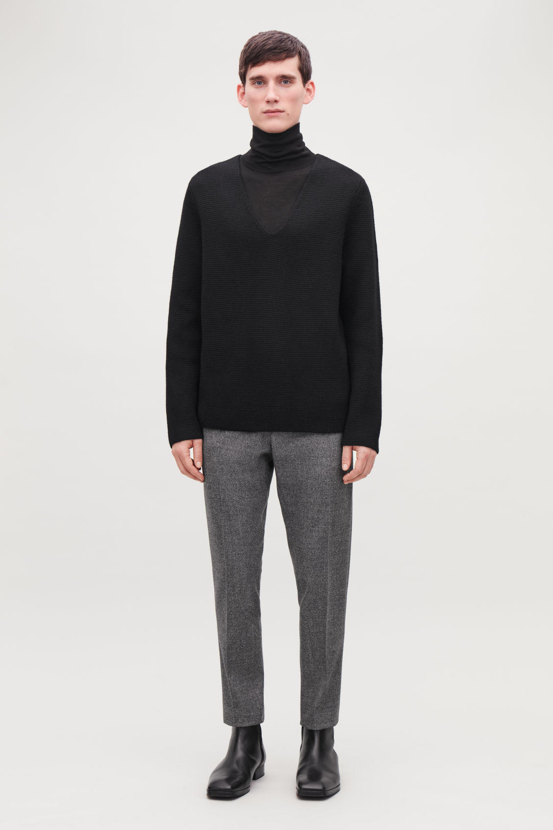 Model front image of Cos wool v-neck jumper  in black