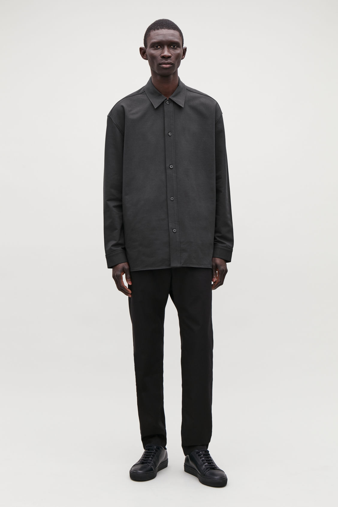 Model front image of Cos relaxed thick-cotton shirt in black
