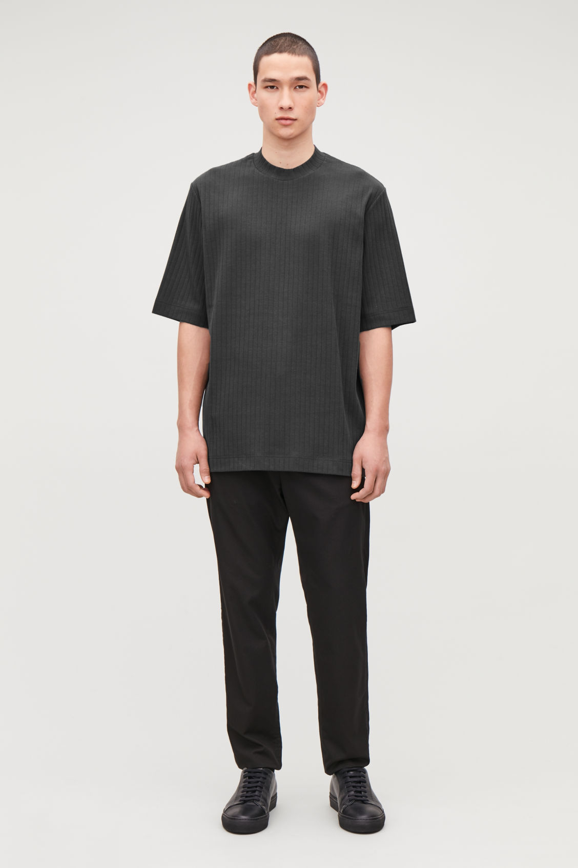 Model side image of Cos long organic-cotton rib t-shirt in black