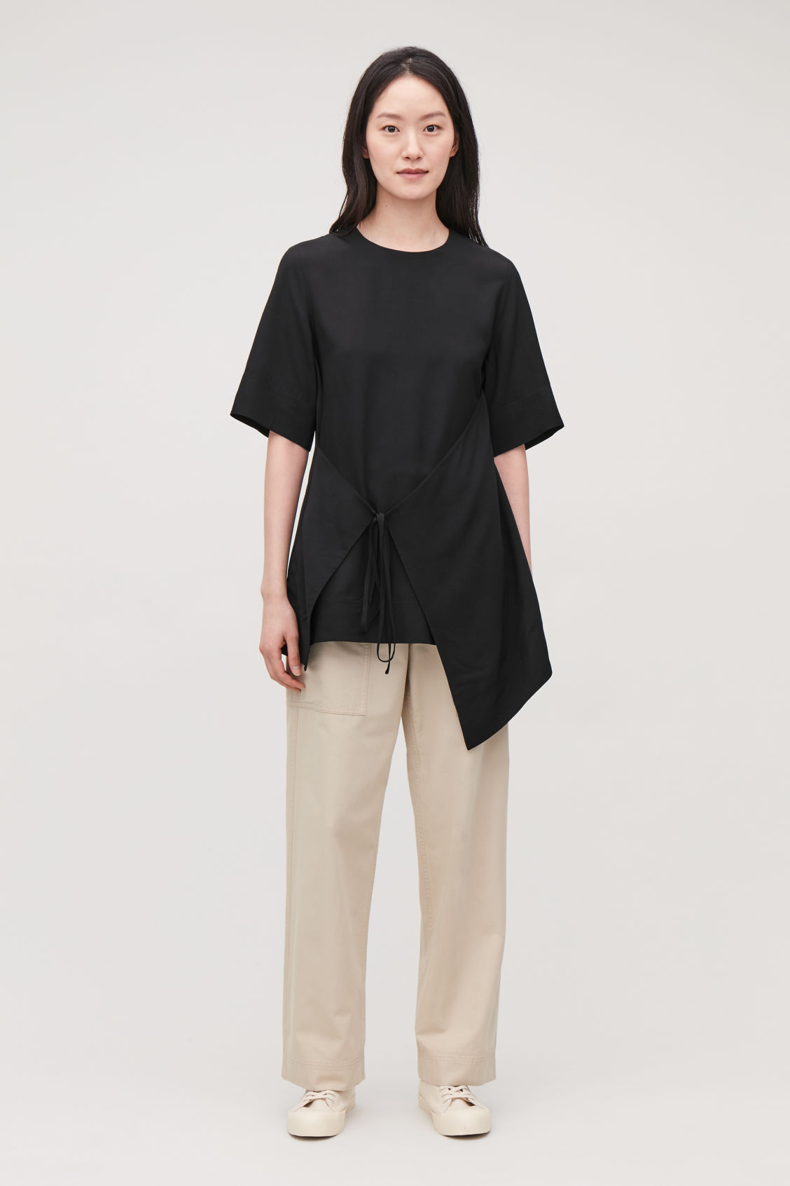 Model front image of Cos asymmetric-panel top  in black