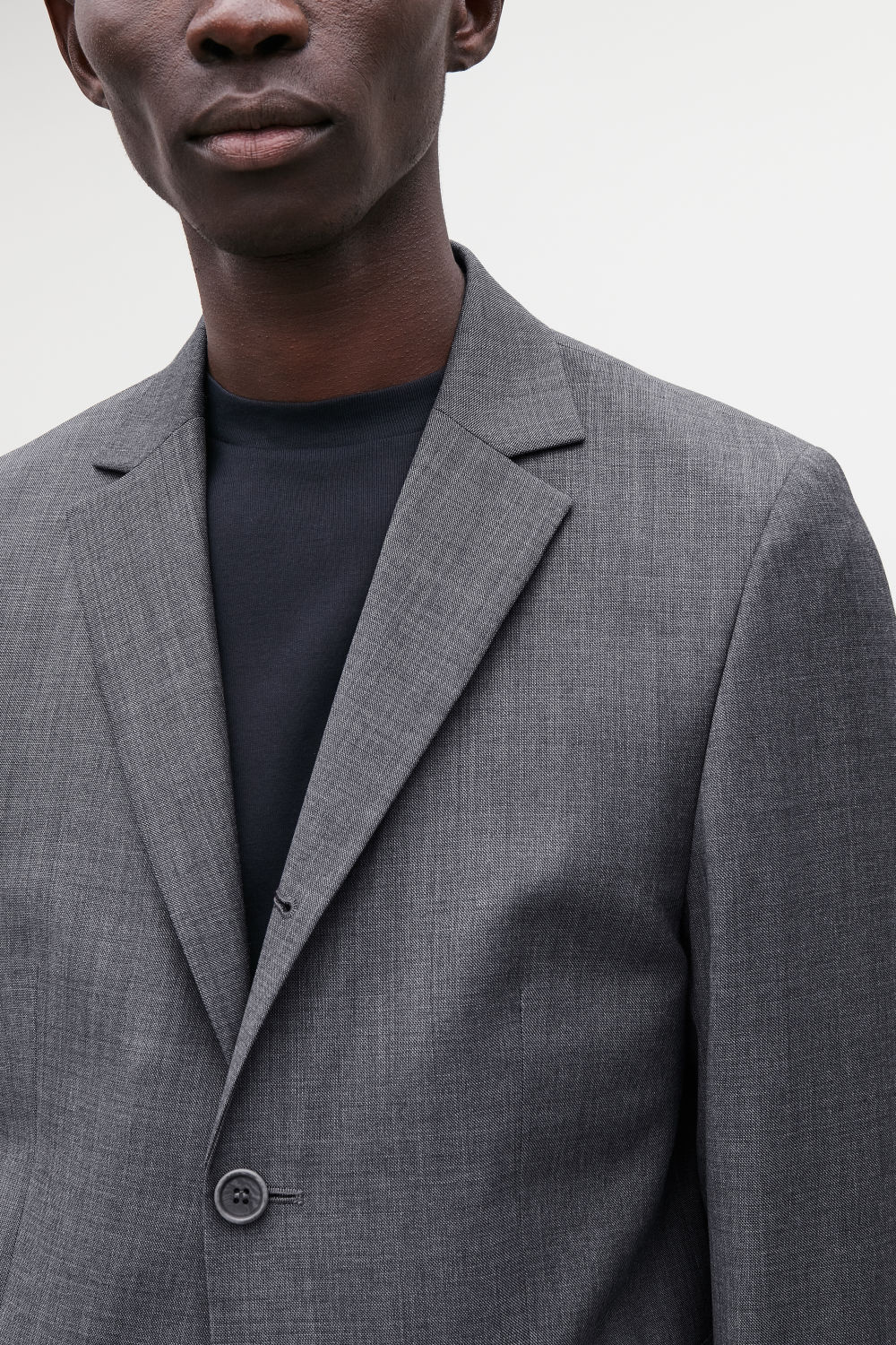 REGULAR THREE-BUTTON BLAZER