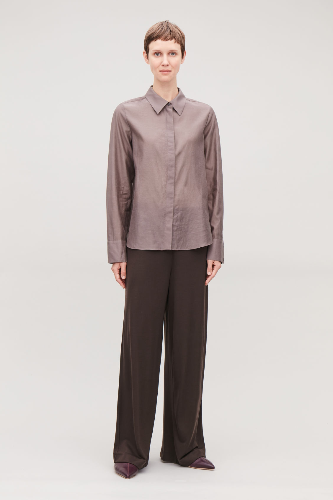 Model front image of Cos elastic-waist jersey trousers  in brown