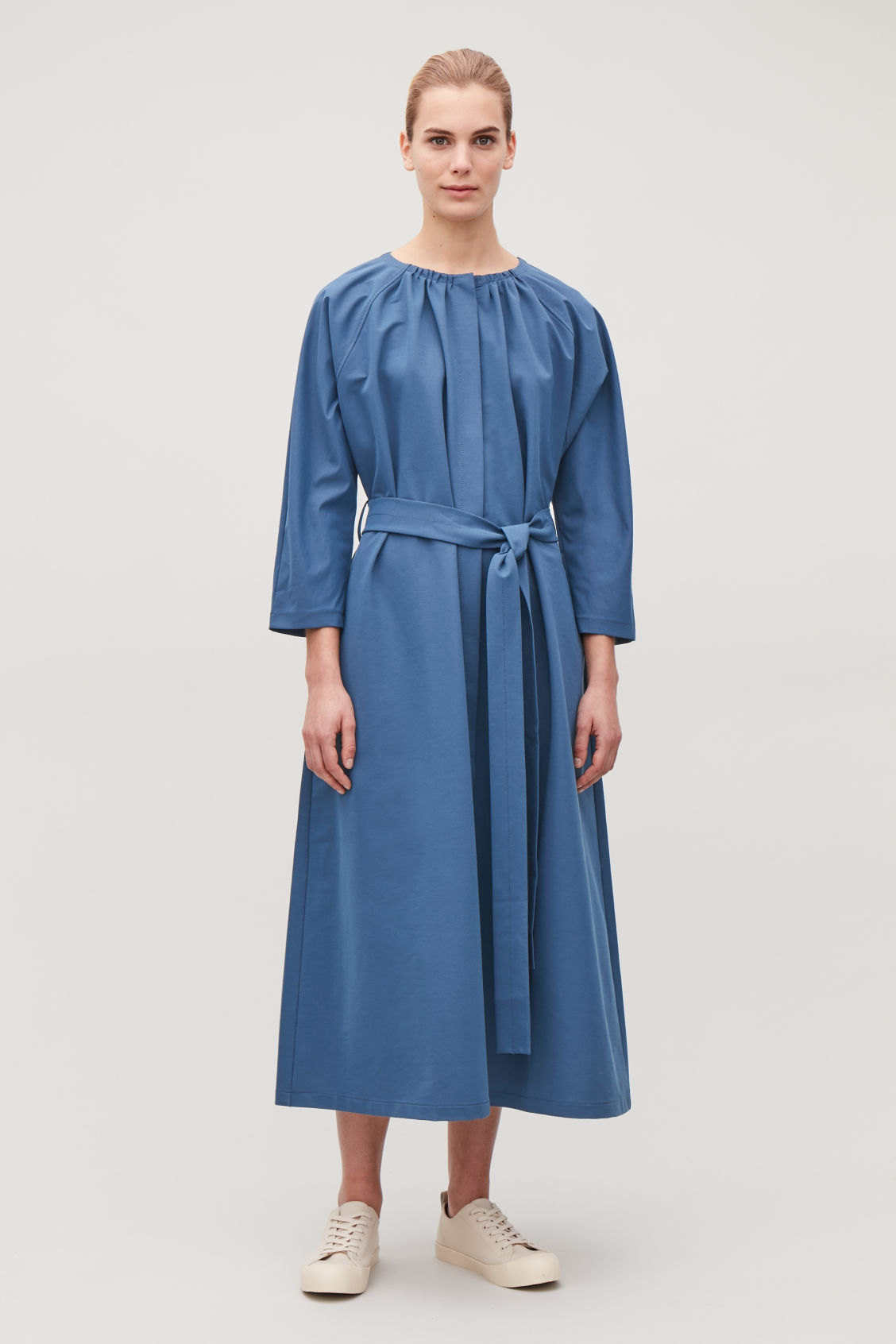 Model front image of Cos yoke-detailed gathered dress in blue