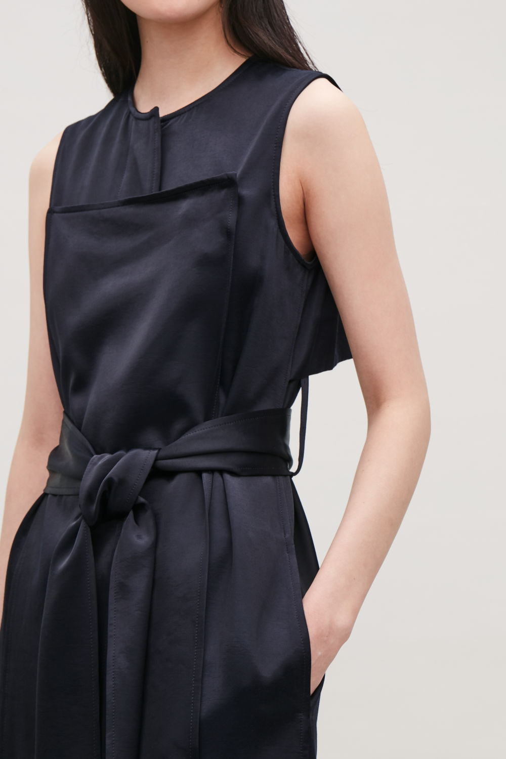 a60dcc43468d3 TRENCH-DETAIL SMOOTH SLEEVELESS DRESS ...
