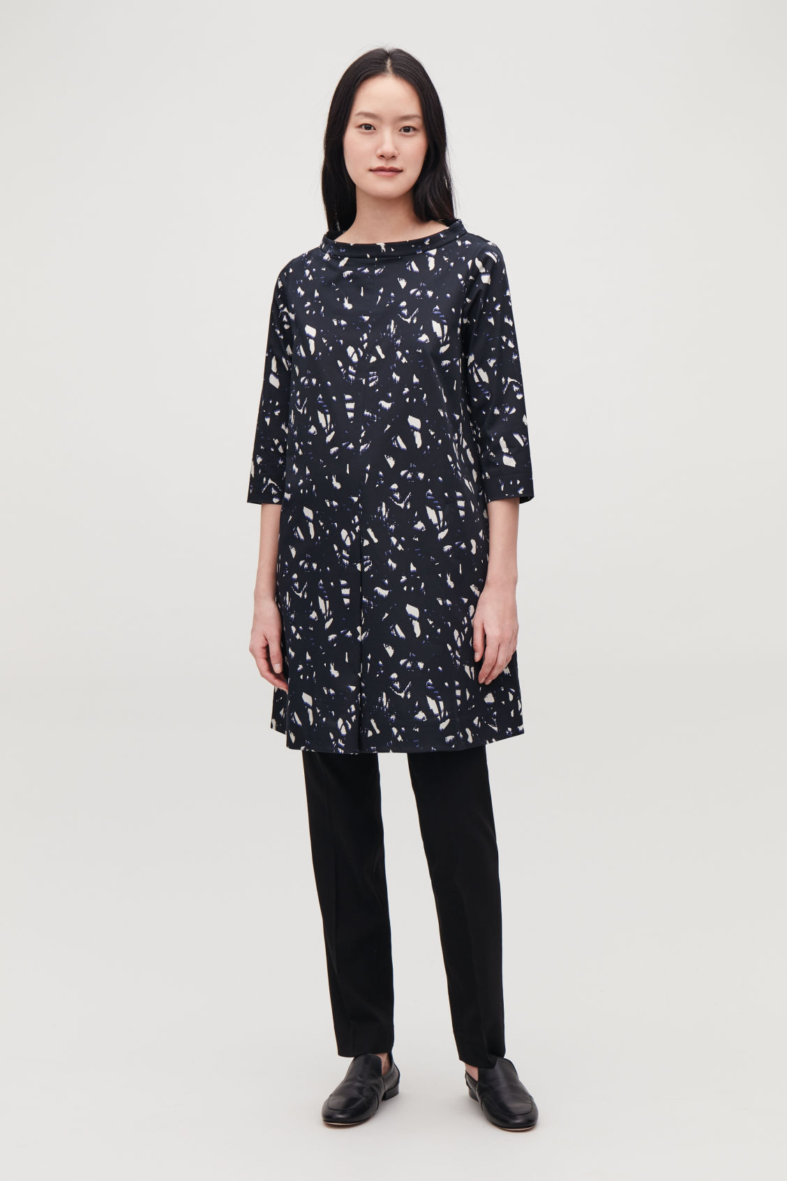 Model front image of Cos printed raised-collar dress in black