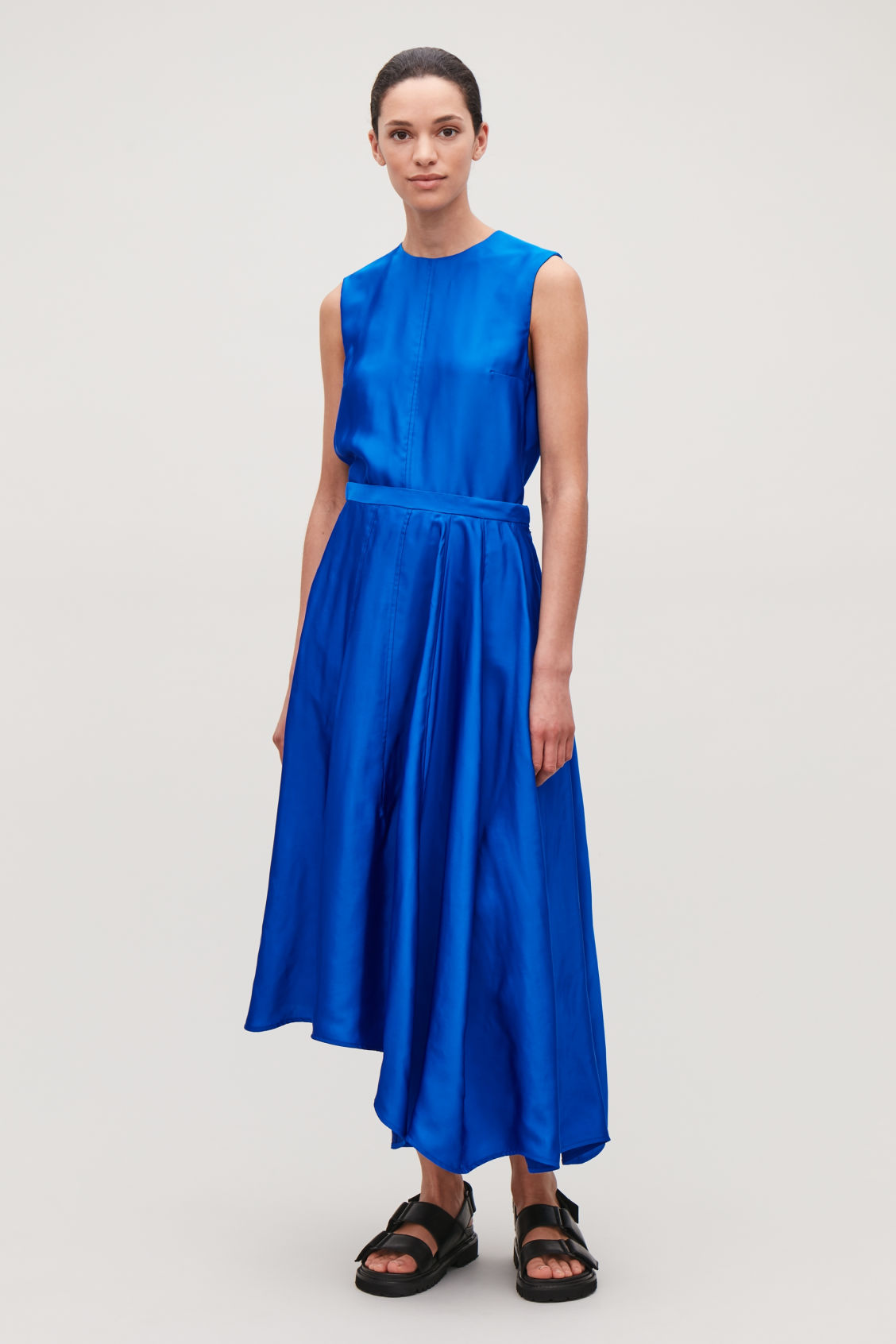 Model front image of Cos topstitched asymmetric skirt in blue