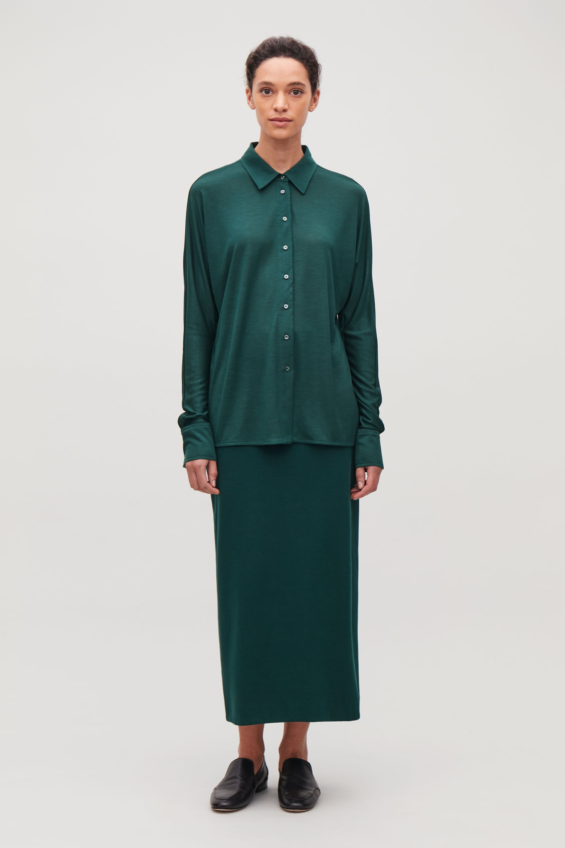 Model front image of Cos batwing-sleeved jersey shirt in green