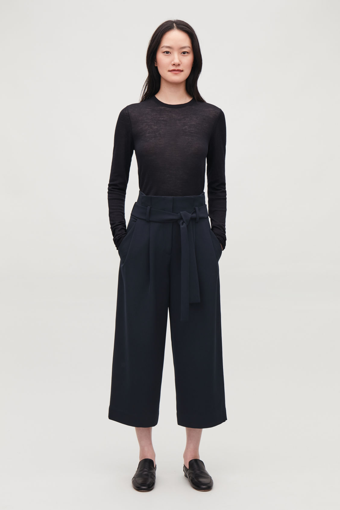 Model front image of Cos belted paperbag culottes in blue