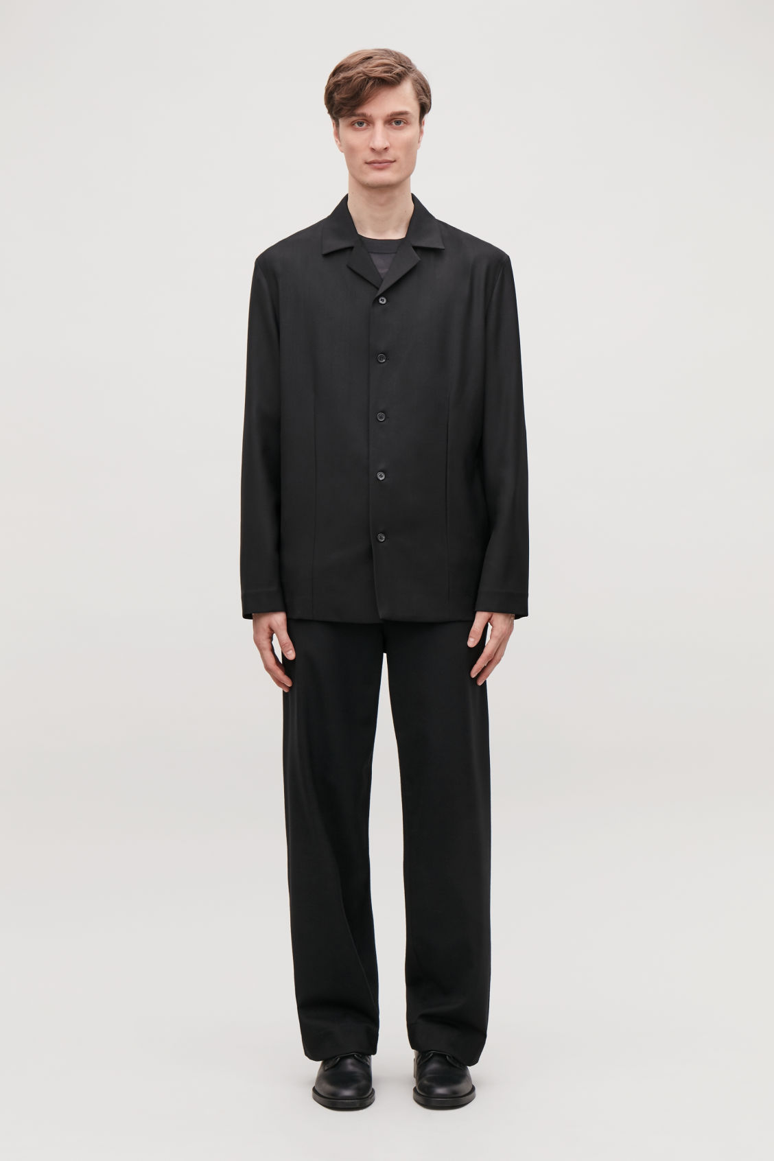 Model front image of Cos long-sleeved camp collar shirt in black