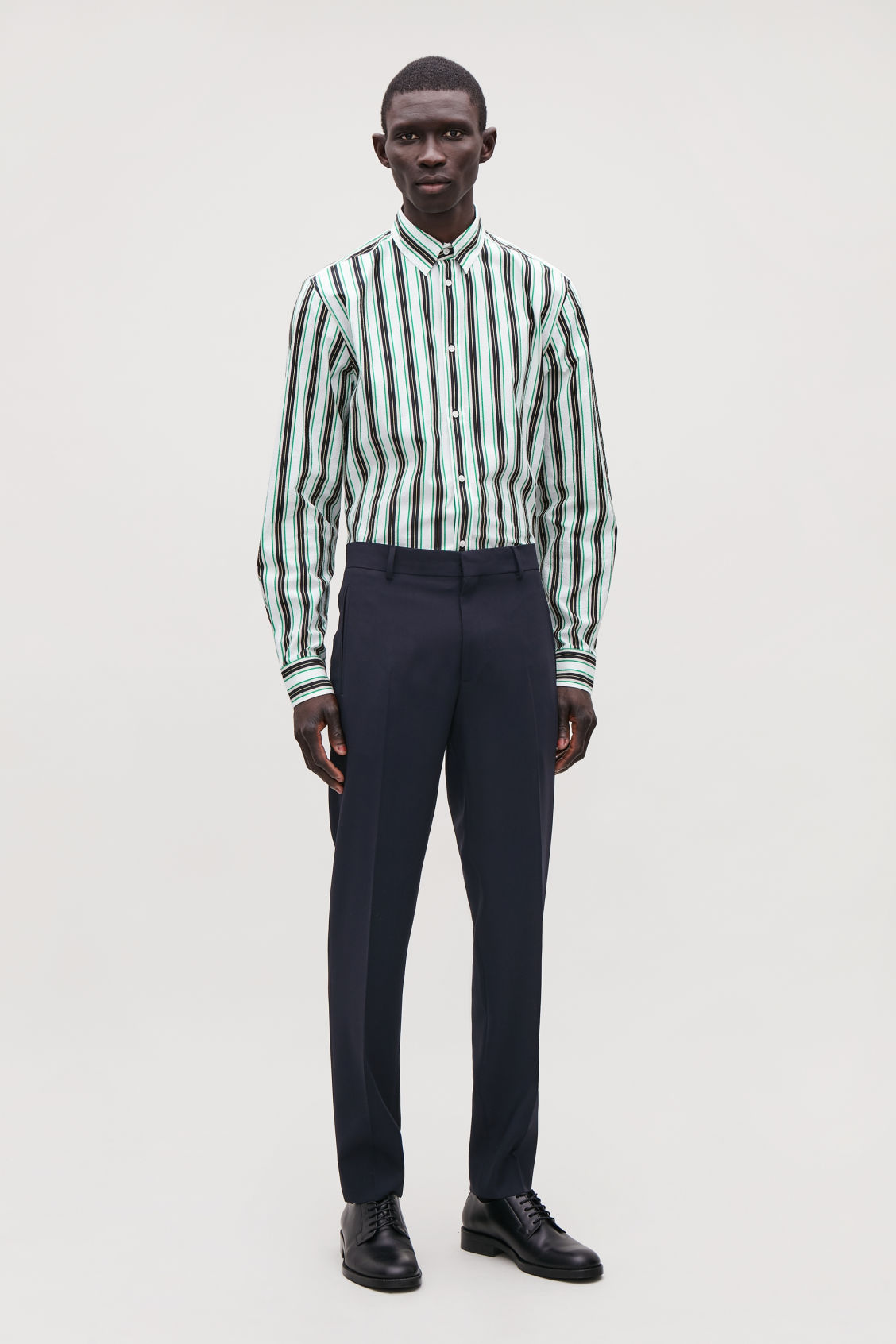Model front image of Cos straight-leg tailored trousers in blue