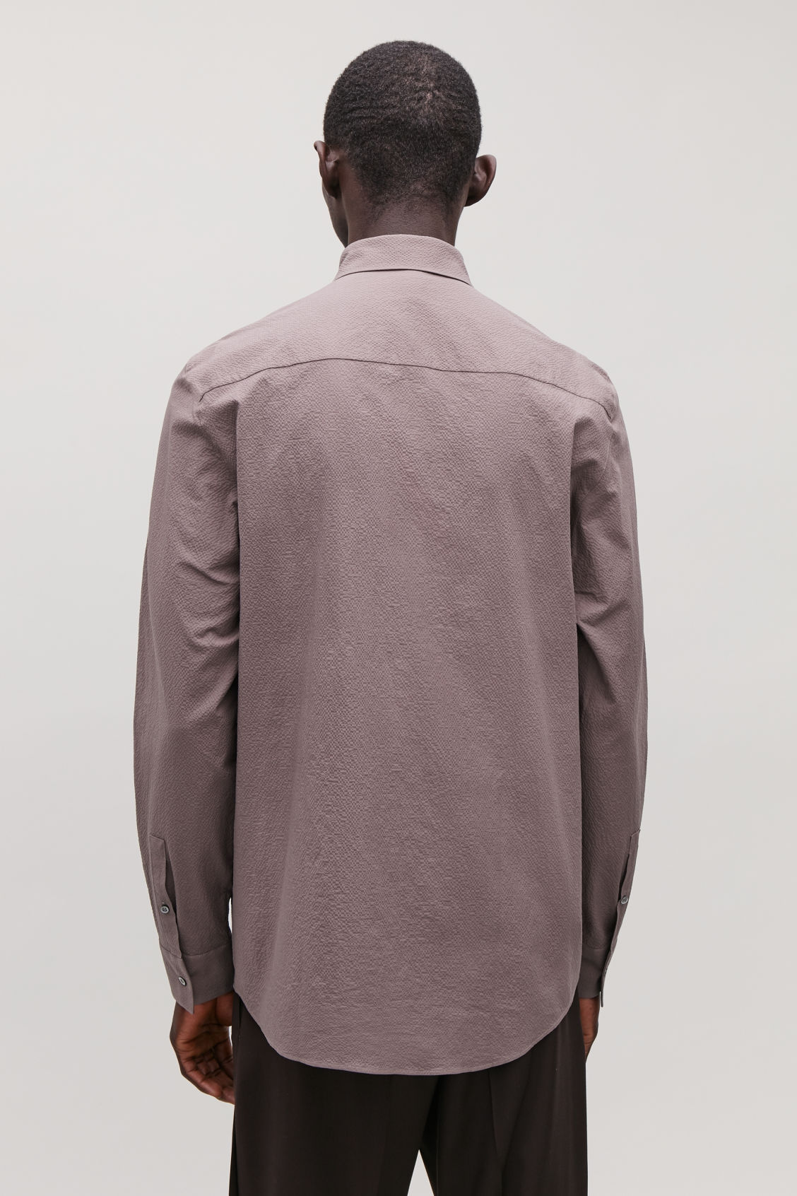 Model side image of Cos cotton-seersucker shirt  in purple