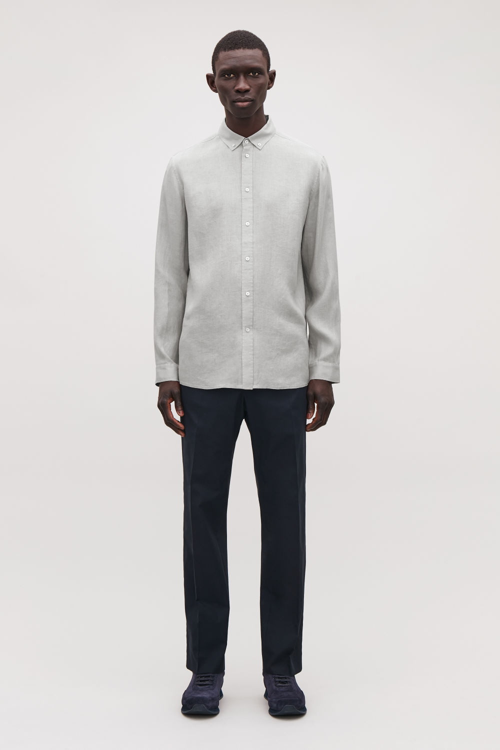 5974101438a White Shirt Black Pants Business Casual - Gomes Weine AG