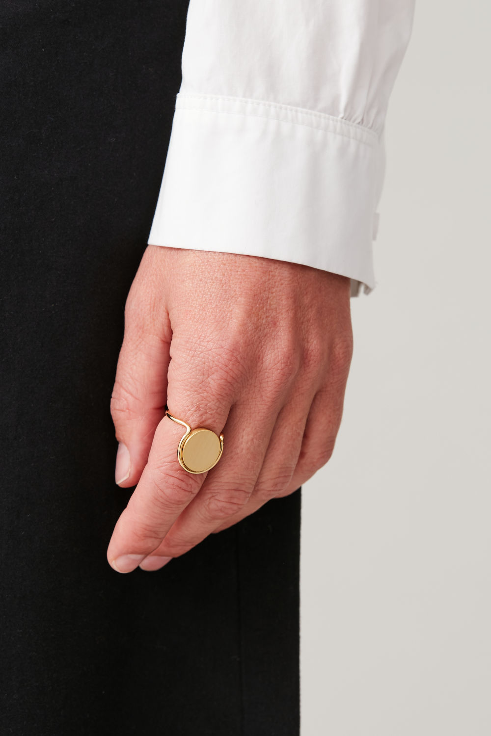Metal Disc Ring by Cos