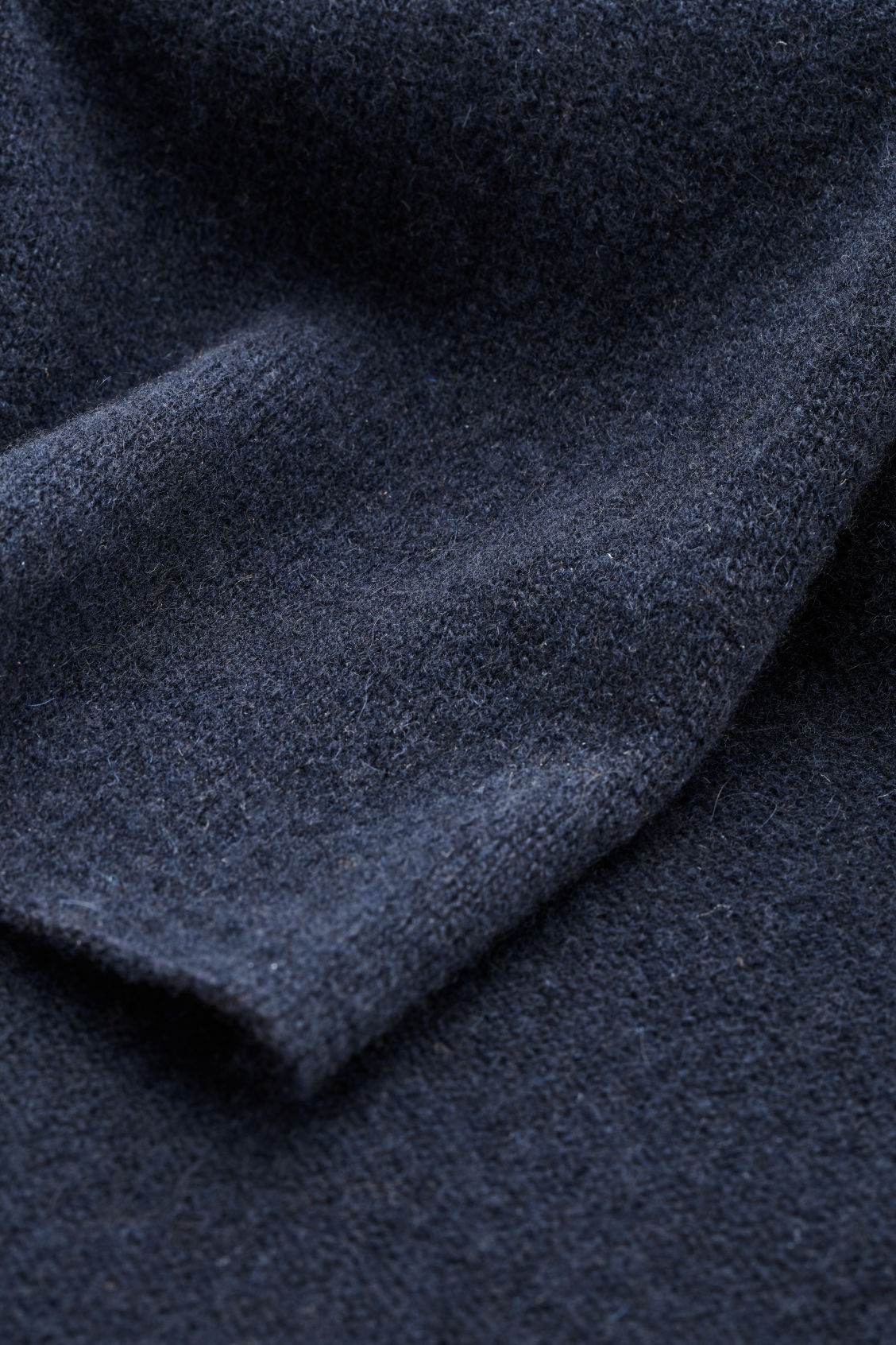 Side image of Cos cashmere scarf in blue