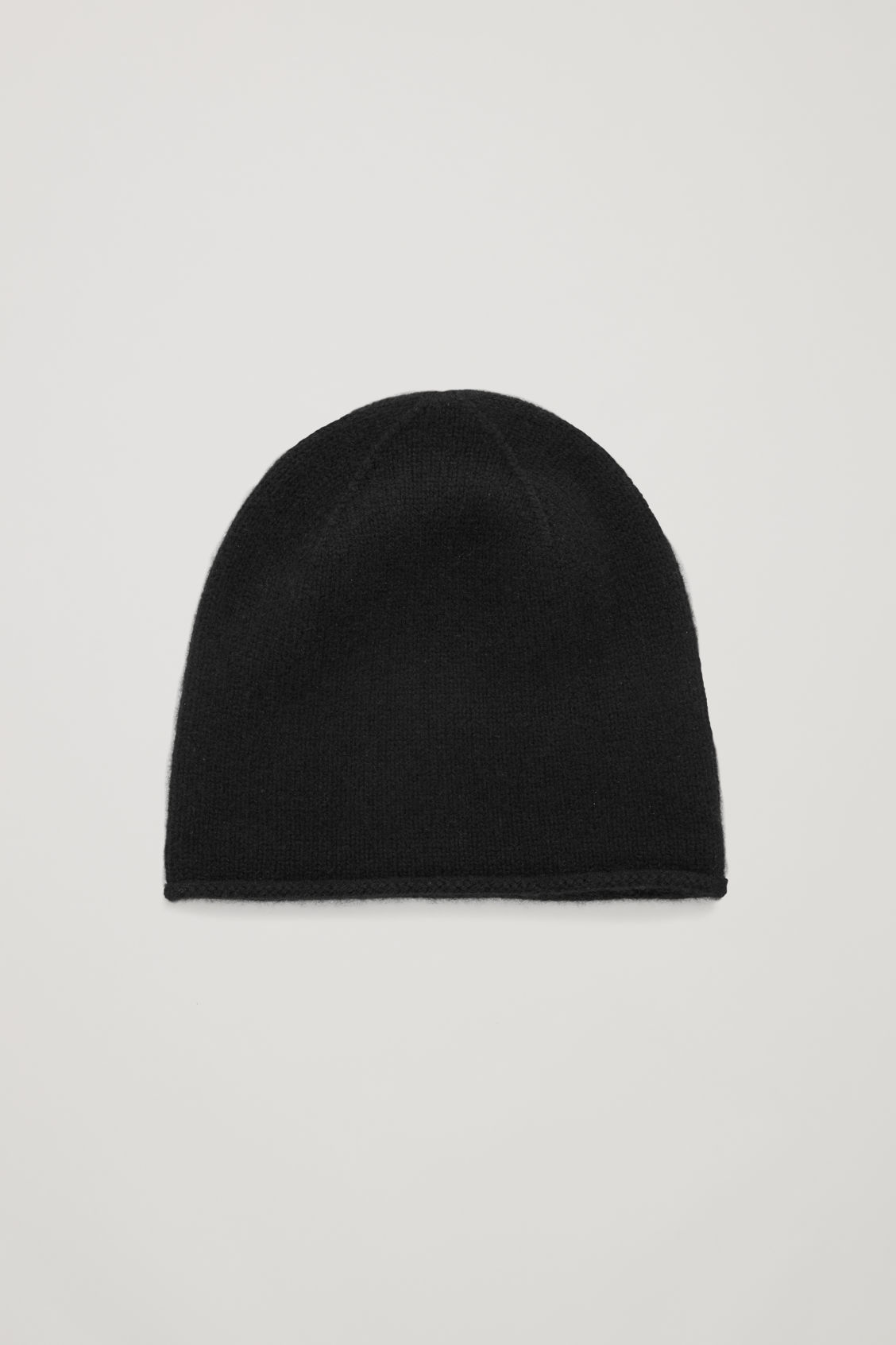 Front image of Cos cashmere hat in black